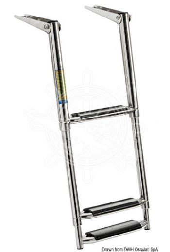 Telescopic ladder for gangplank fitted with large steps.